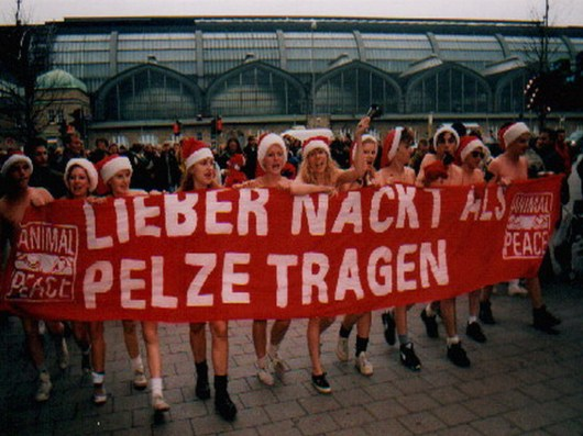 pelz-nackt-in-hamburg-002
